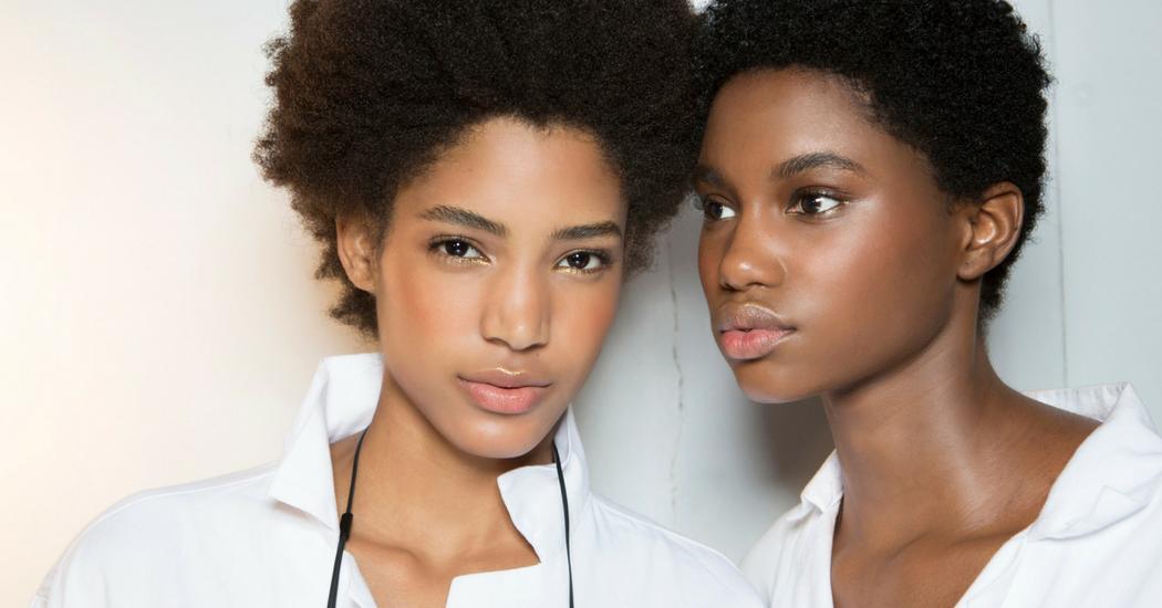 s lection des meilleurs fonds de teint pour peau noire marie claire. Black Bedroom Furniture Sets. Home Design Ideas