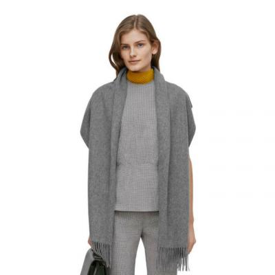 Shopping: 10 écharpes pour avoir bien chaud cet hiver 150*150