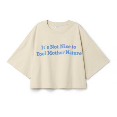 Shopping: les vêtements à message s'emparent de notre garde-robe 150*150