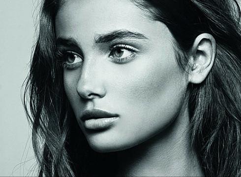 Taylor Hill : Le nouveau visage de Lancôme