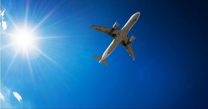 Les 14 objets à emporter dans son sac en avion
