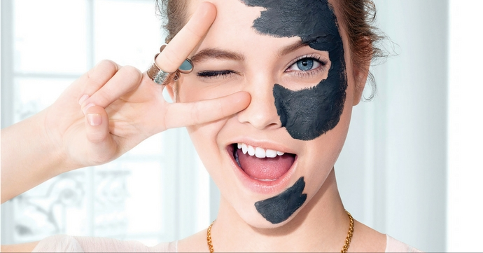 Masques au charbon: ils sont partout!