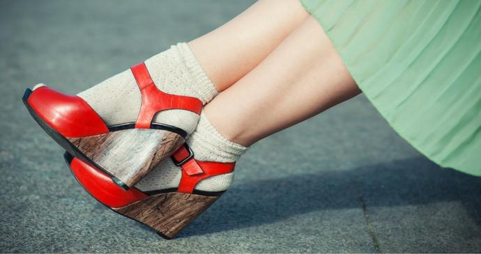 Les chaussettes apparentes: tendance ou faux-pas ?