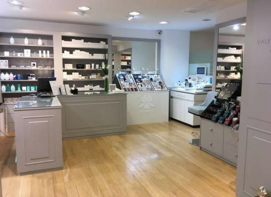 La boutique de parfums de Valérie Deuquet.