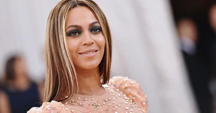 Beyoncé est enceinte de jumeaux!