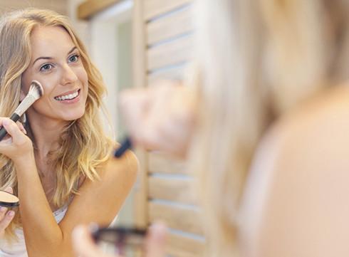Les 6 erreurs maquillage qui vous font paraître plus âgée