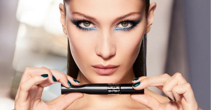 Bella Hadid devient égérie du maquillage Dior