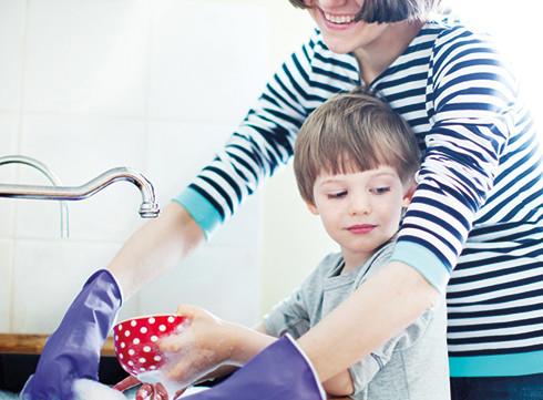 Transformez vos enfants en alliés ménagers!