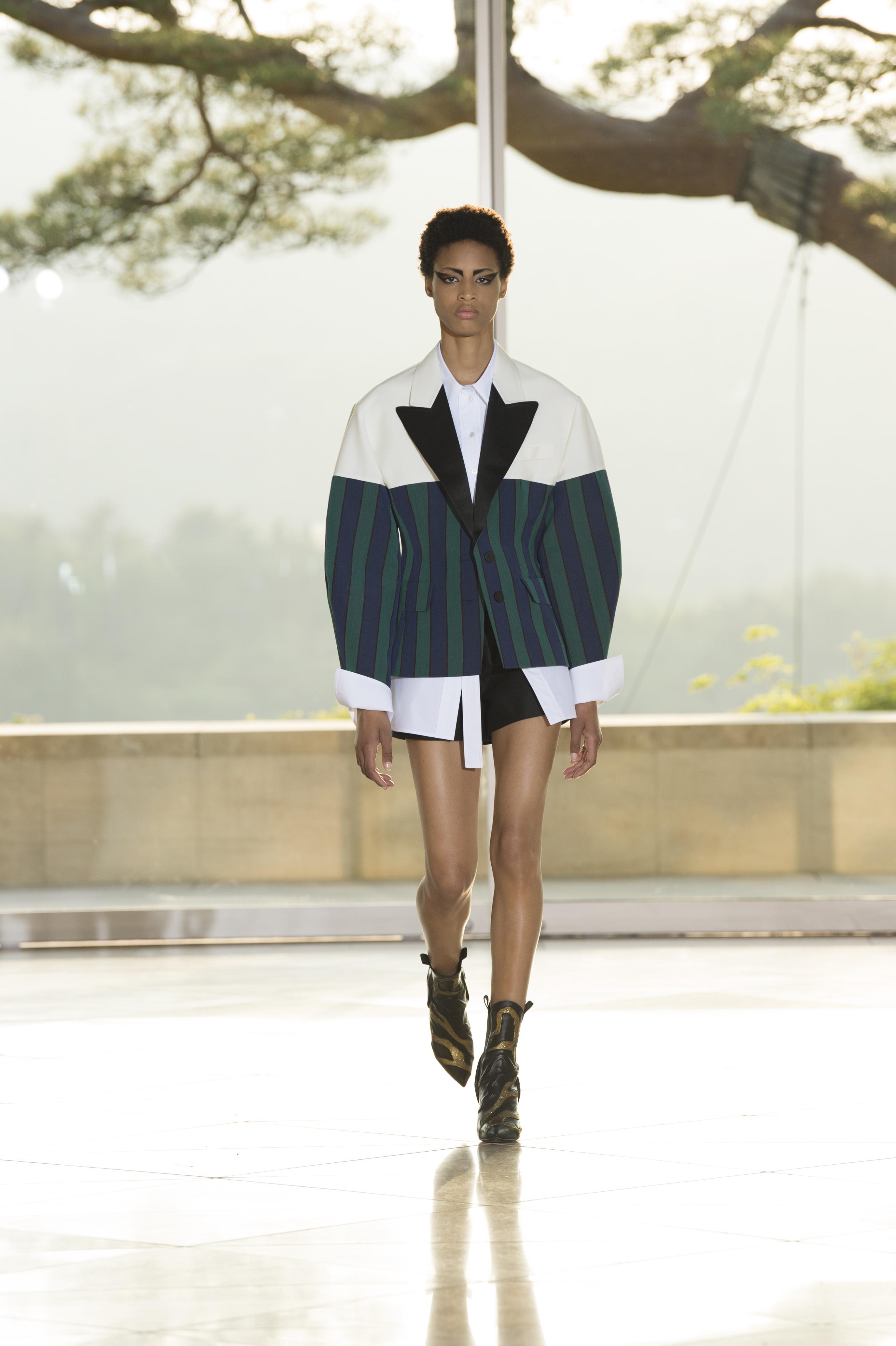 Louis Vuitton: le défilé Croisière 2018 - 2