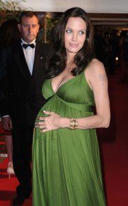 Le Festival de Cannes en 13 robes emblématiques - 8