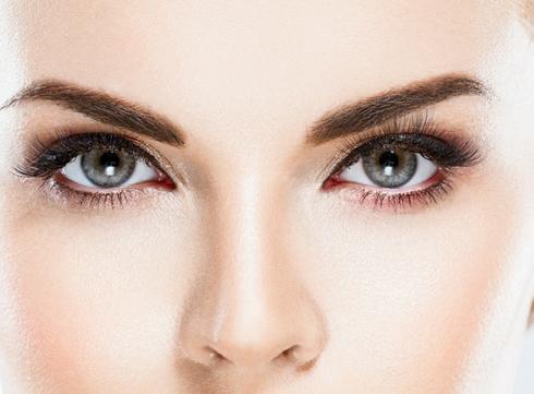 Le verdict beauté: le microblading pour des sourcils parfaits