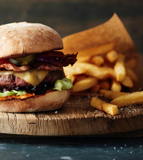 Uniquement ce jeudi: burger gratuit chez Ellis Gourmet Burger!