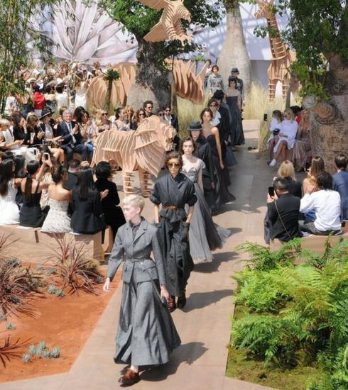 Le défilé Christian Dior Haute Couture Automne-Hiver 2017-2018