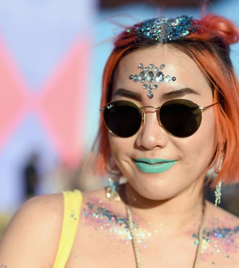 Un maquillage de festival parfait avec les astuces d'une make-up artist M.A.C