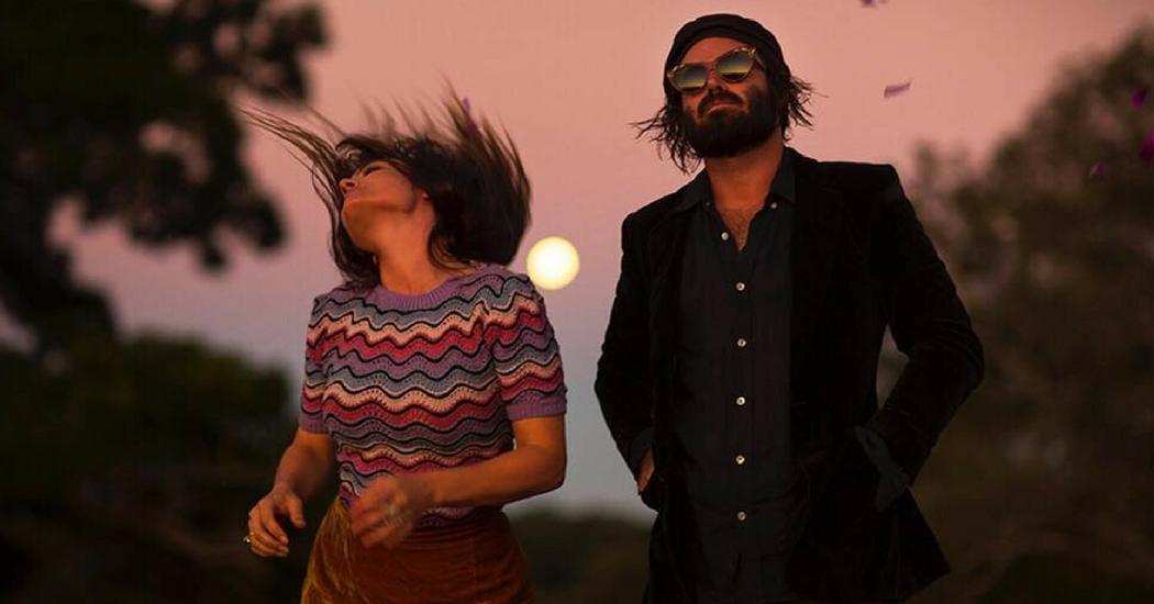 Road trip amoureux dans le nouveau clip «Chateau» d'Angus & Julia Stone
