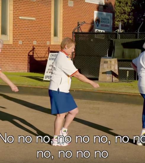 Des grands-mères reprennent Beyoncé pour sauver leur club de bowling