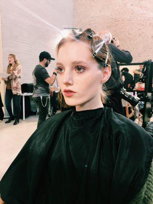 Milan Fashion Week: découvrez les backstage make-up avec M.A.C Cosmetics 150*150