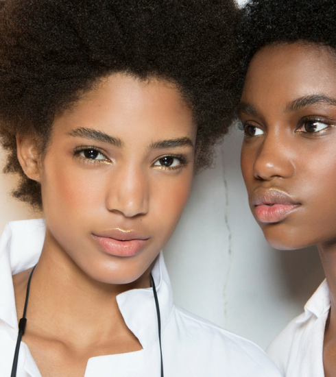Sélection des meilleurs fonds de teint pour peau noire