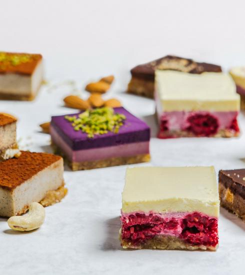 Raw cakes by Nathalie d'Harveng: des pâtisseries savoureuses et saines