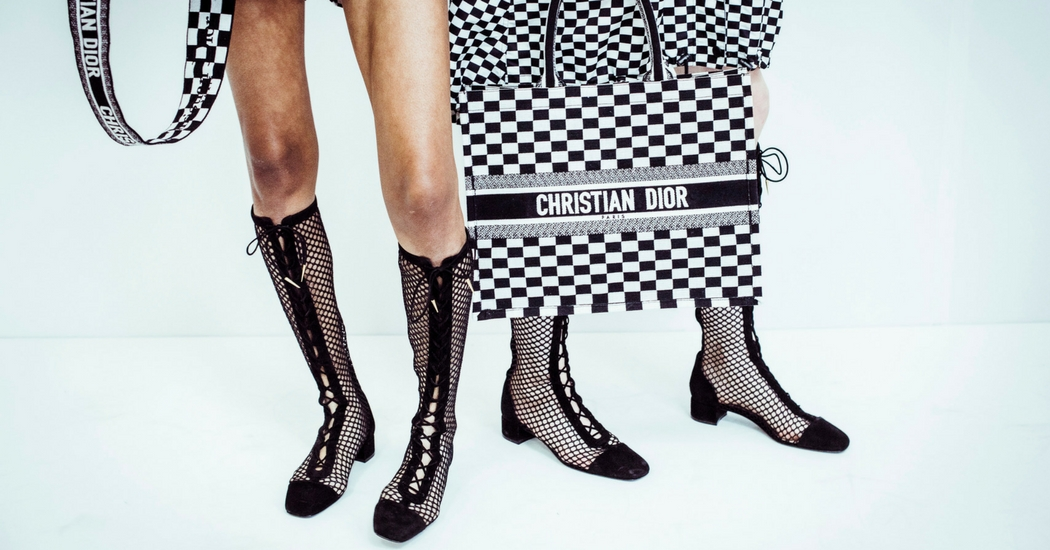 Crush of the day: le « Book tote bag » de Christian Dior