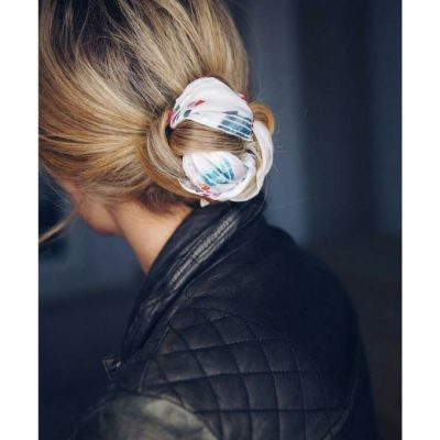 Coiffure  cet été le foulard se portera dans nos cheveux - Marie Claire f761700057d