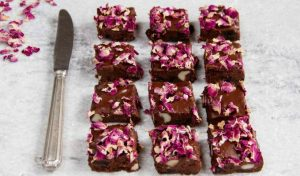 Raw flowers brownies