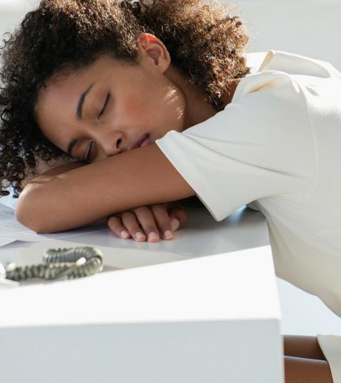 Journée Internationale du Sommeil: cheffe, une petite sieste svp!