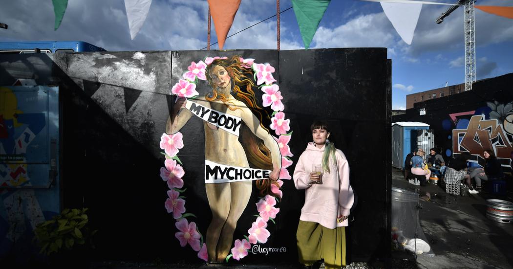 Droit à l'avortement en Irlande: le référendum d'une génération