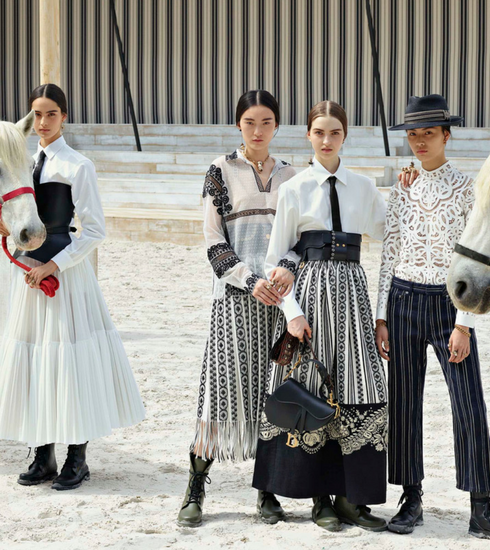 Retour en images sur le défilé Croisière de Dior, placé sous le signe du rodéo