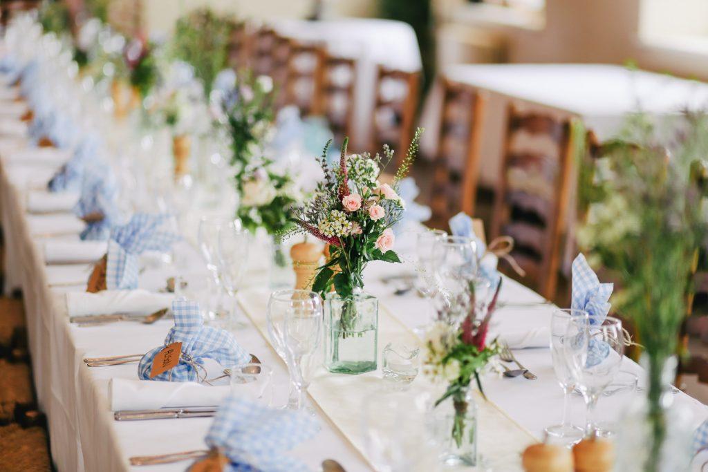 Mariage : 4 conseils pour réaliser une table d'honneur à son image - 1