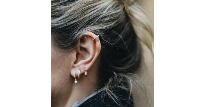 «Curated Ear», la tendance qui remet les piercings au goût du jour 150*150