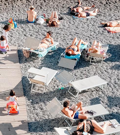 9 règles d'or pour éviter le bain de sang pendant vos vacances entre amis (avec les enfants)