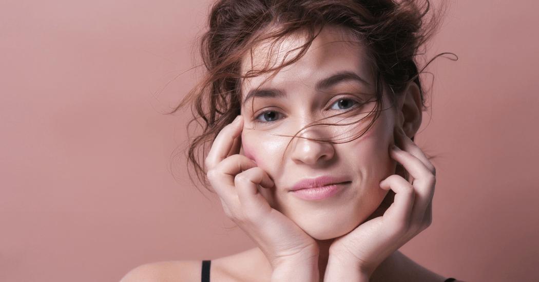 marieclaire-acne-retour-vacances-conseils-astuces-cover