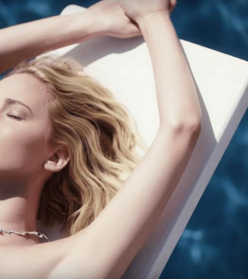 JOY de Dior: Jennifer Lawrence incarne le nouveau parfum dans une campagne étincelante
