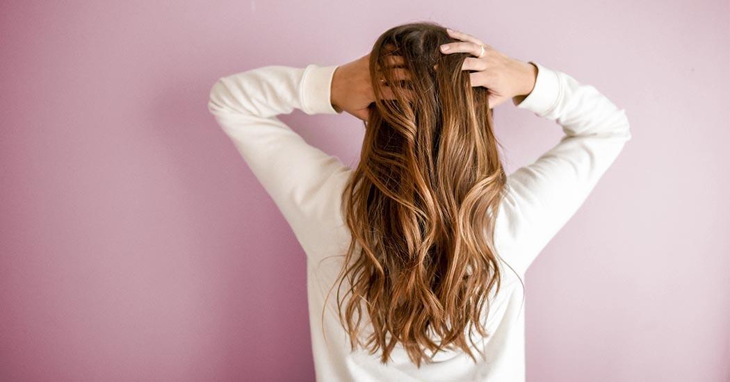 10 soins capillaires naturels pour une chevelure plus belle