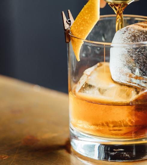 Brussels Cocktail Week: le groupe Bacardi-Martini veut éliminer les pailles en plastique