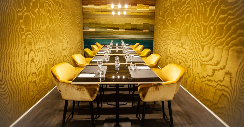 restaurant floyds intérieur table