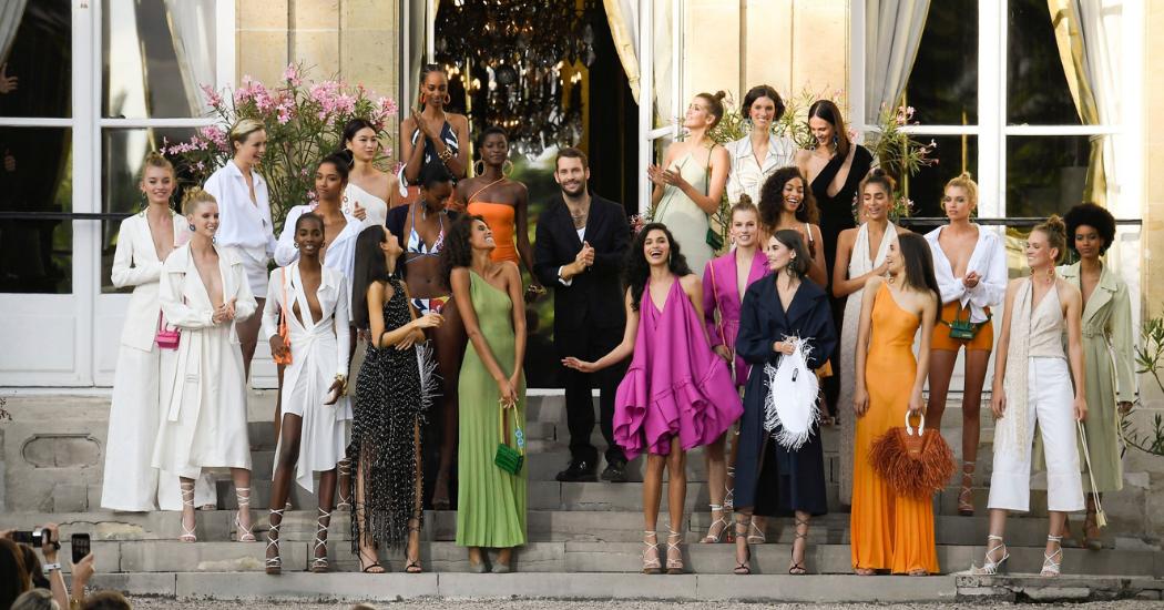 Paris Fashion Week: le défilé Jacquemus, comme sur la Riviera (en images)