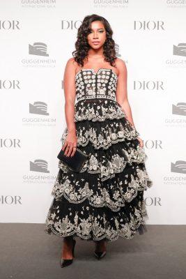 Gala International du Guggenheim : Jorja Smith éblouit dans 3 robes signées Dior 150*150
