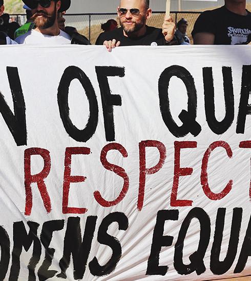 Alerte rouge : l'écart salarial coûte en moyenne 500 euros par mois aux femmes