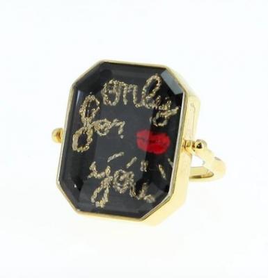 Saint-Valentin : 30 bijoux (à tous les budgets) qu'on aimerait recevoir passionnément 150*150