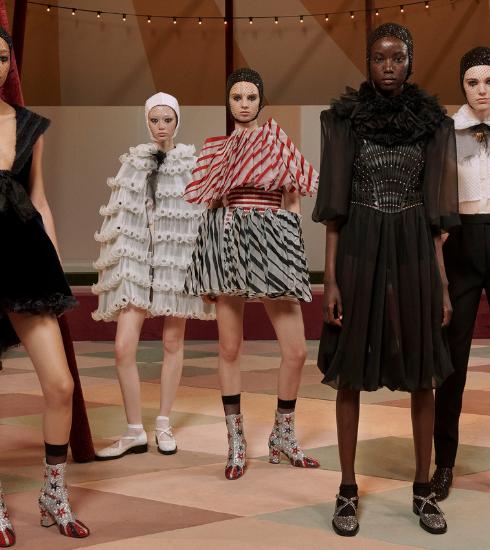 Magic Circus : retour sur le défilé Dior Printemps-été 2019 haut en couleurs