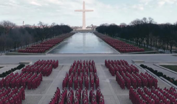 """Wake up America"" : le teaser terrifiant de la saison 3 de ""The Handmaid's Tale"""