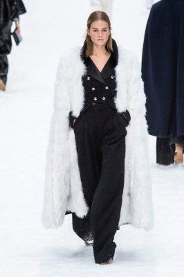 Chanel : le défilé posthume et inoubliable de Karl Lagerfeld en images 150*150