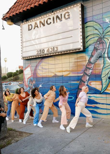 8 mars : & Other Stories et L.A. Municipal Dance Squad encouragent les femmes à lâcher prise - 1
