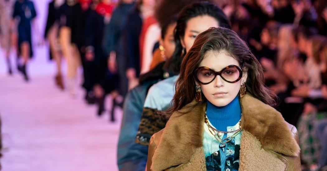 Paris Fashion Week : retour sur le défilé Chloé et l'hommage à Karl Lagerfeld