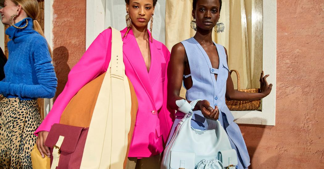 Paris Fashion Week : couleurs vives et micro-sacs au défilé Jacquemus