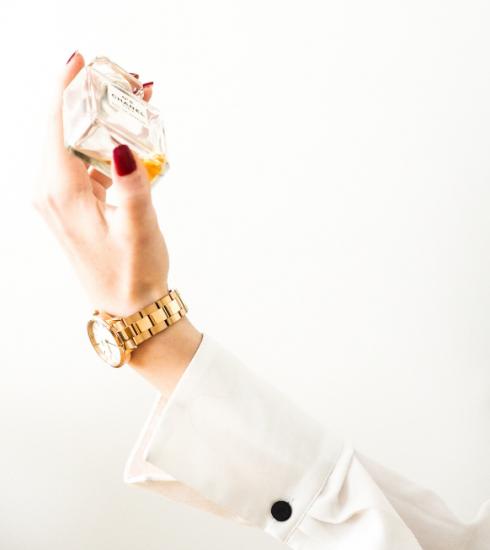 7 astuces pour faire tenir son parfum plus longtemps