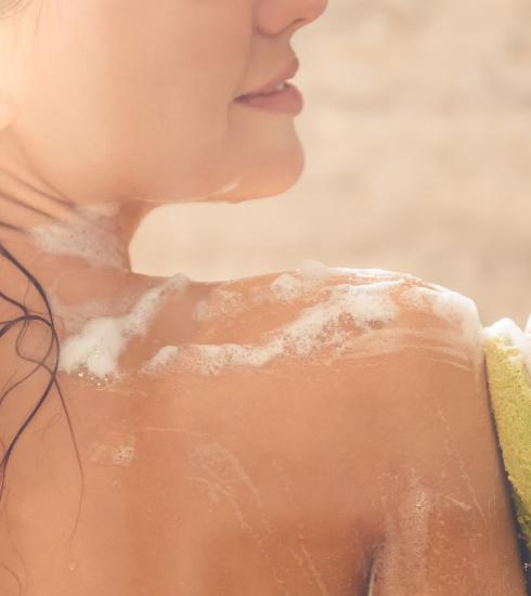 Pourquoi le microbiome est-il devenu le sujet beauté le plus tendance du moment ?
