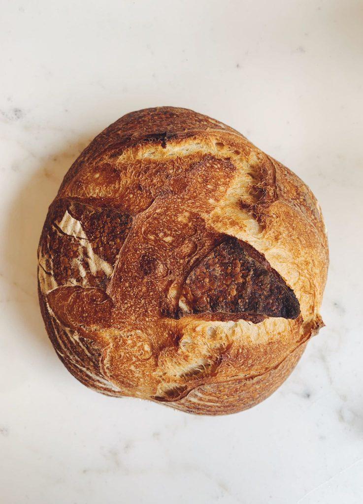 Boulangerie Grain. : la petite soeur d'Ötap débarque du Châtelain ET petite soeur d'Ötap.